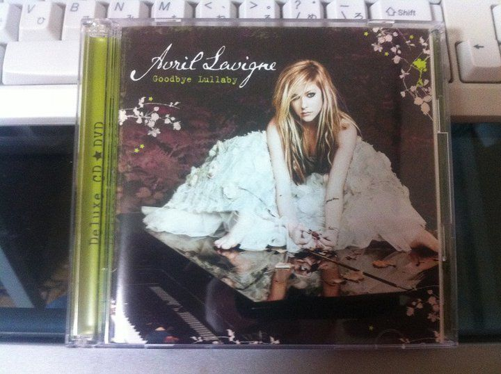 Avril Lavigne - Goodbye Lullaby (Japanese Deluxe Version)